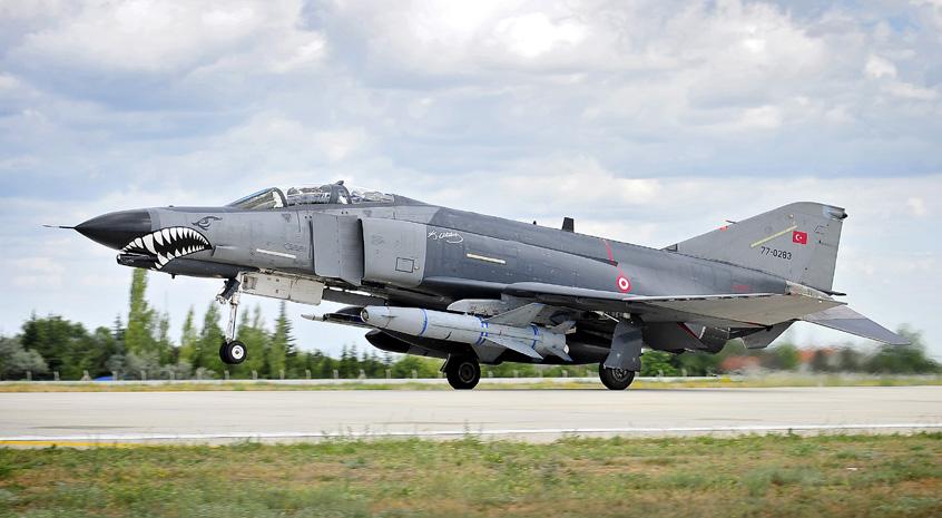 Turkish_Air_Force_F4E_Phantom_II_MOD_45157794