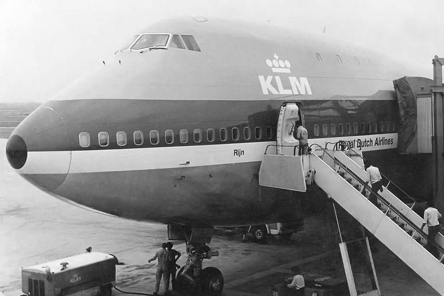 1977_news_boeig_747_ph_buf_02