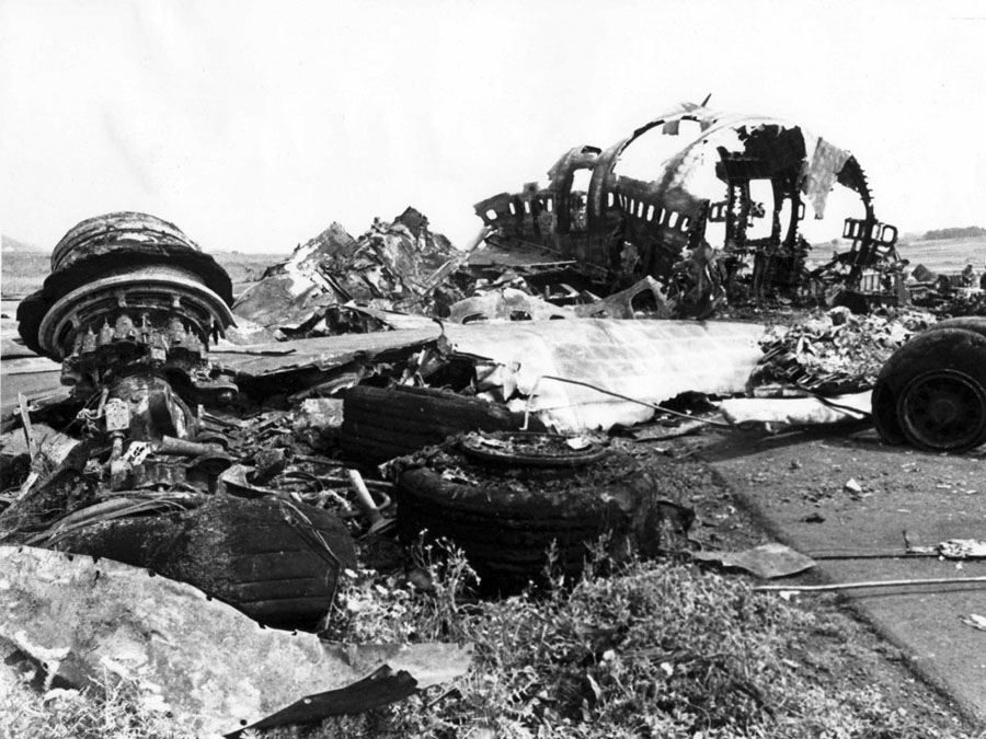 tenerife-plane-crash-wreckage