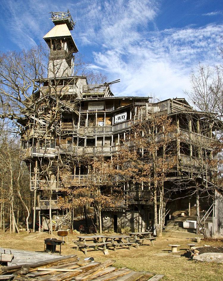 Mihanstar.com-tallest-treehouse-1