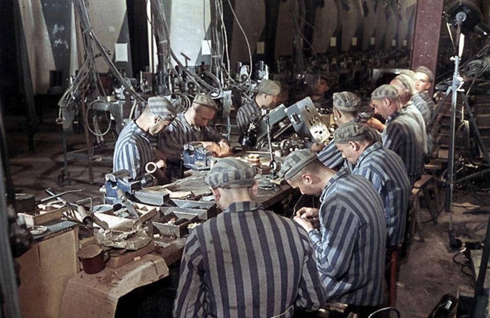 00-slave-labourers-in-dora-plant-v2-1945.jpg