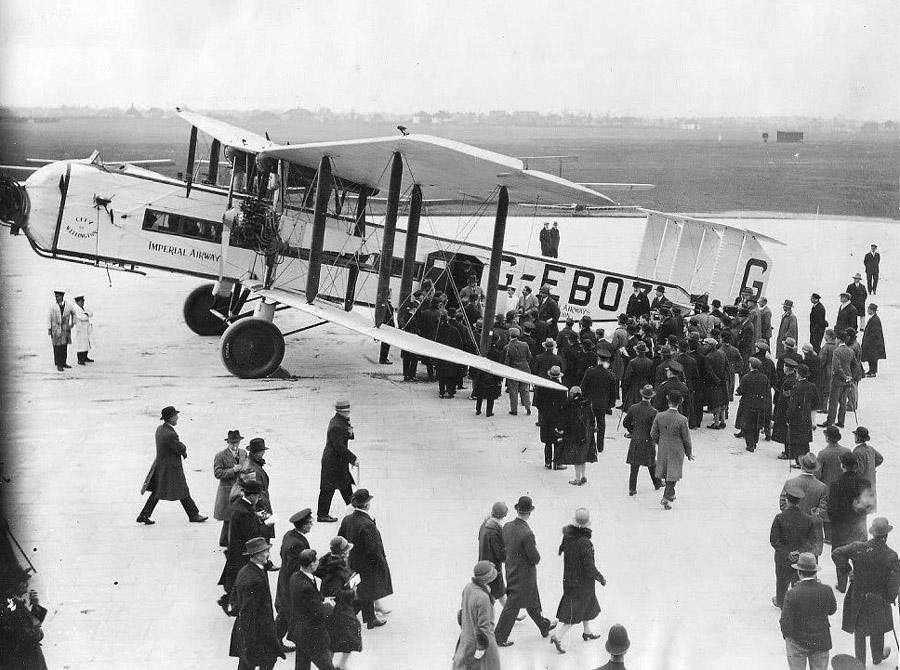 af-amanullah-croydon-airport-1928
