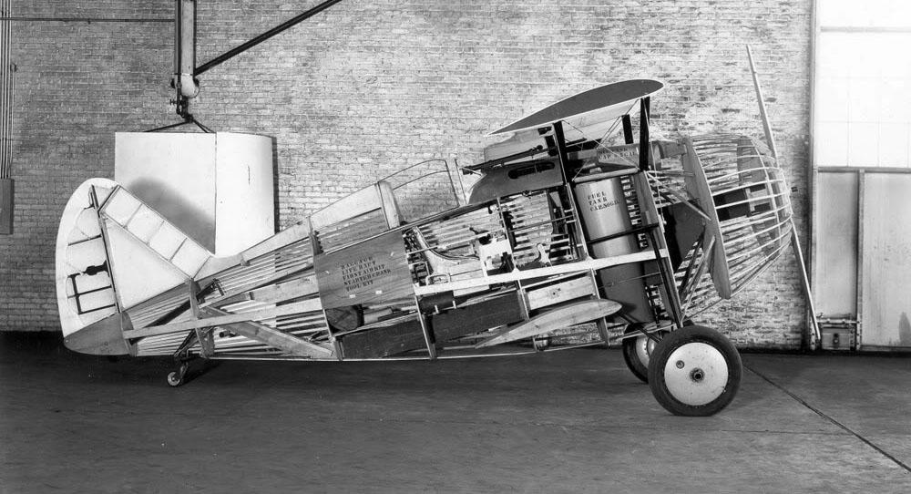 xf2f-1mockup1933.jpg