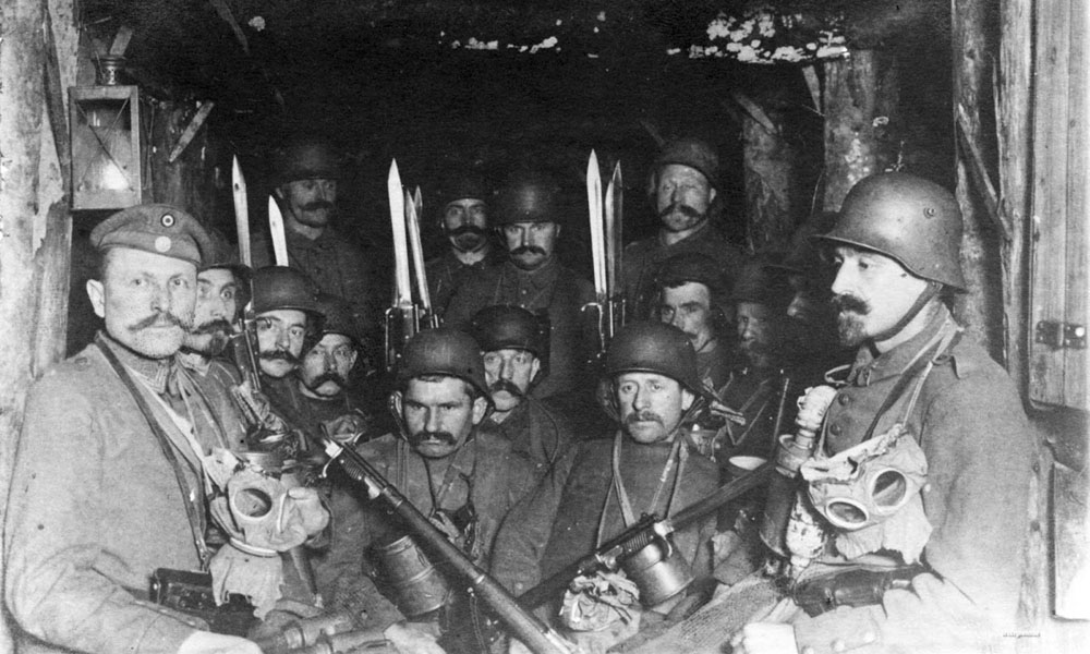German soldiers dug out, 1917.jpg