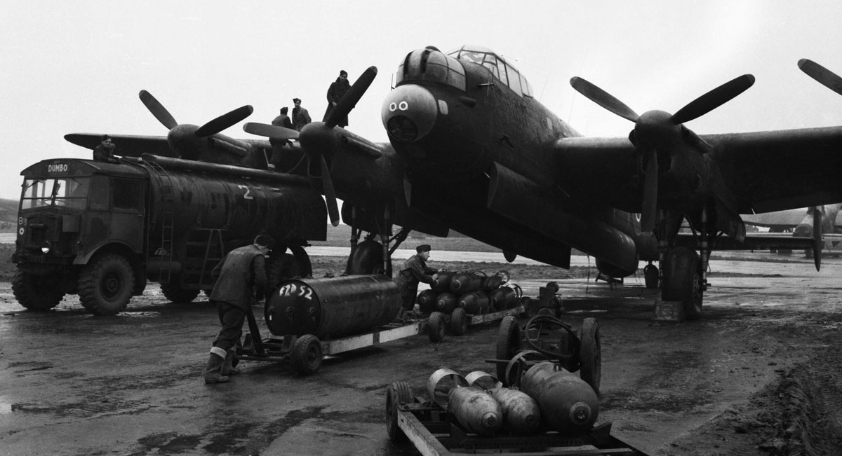 Avro_Lancaster_-_Royal_Air_Force_Bomber_Command,_1942-1945._CH14680.jpg