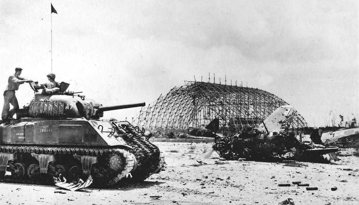 M4_Sherman_tank_on_Peleliu_1944.jpg