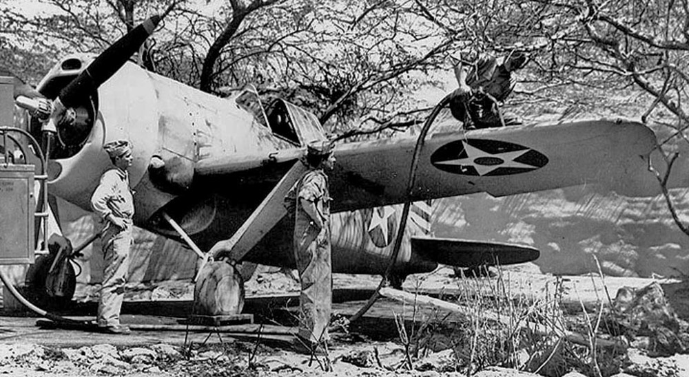 Brewster-Buffalo-F2A-2-Buffalo-VF-2-2-MF-13-Ewa-1942-03.jpg