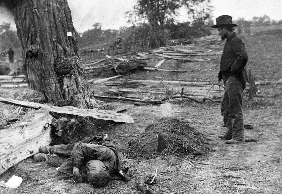 Gardner_Antietam_buried_Federal