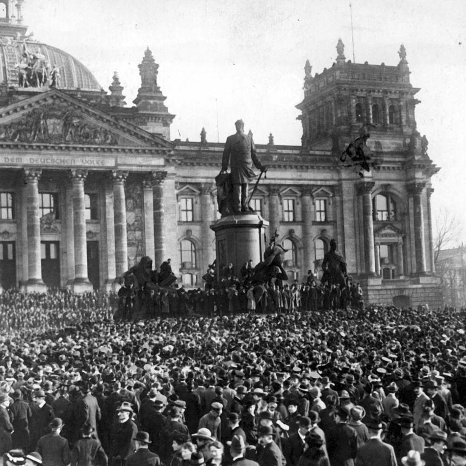 Proclamation-Republic-Berlin-1918