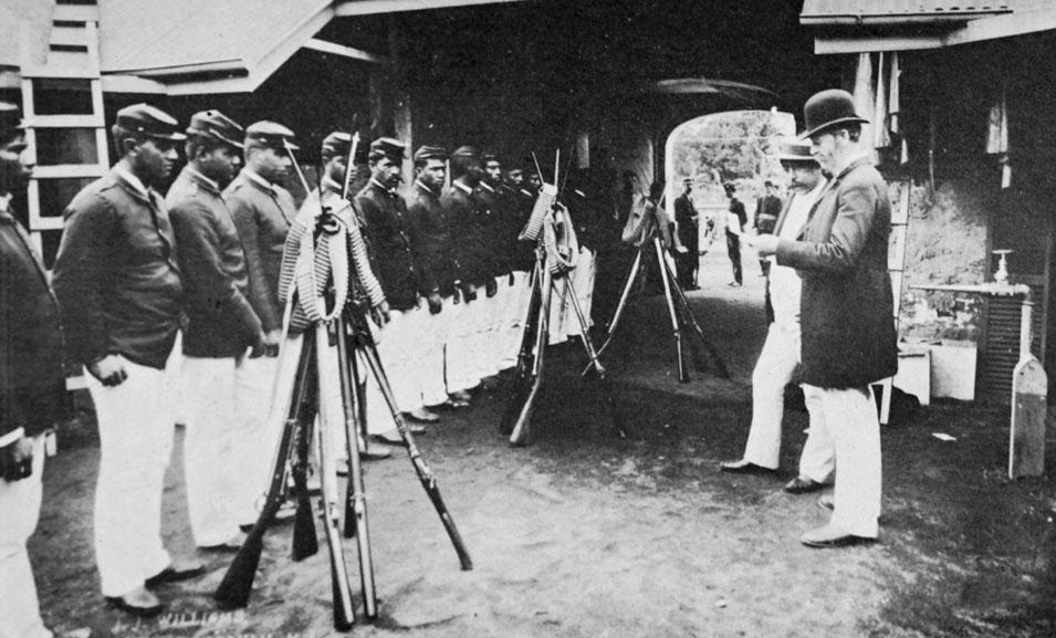 Disarming_Liliuokalani's_Household_Guards