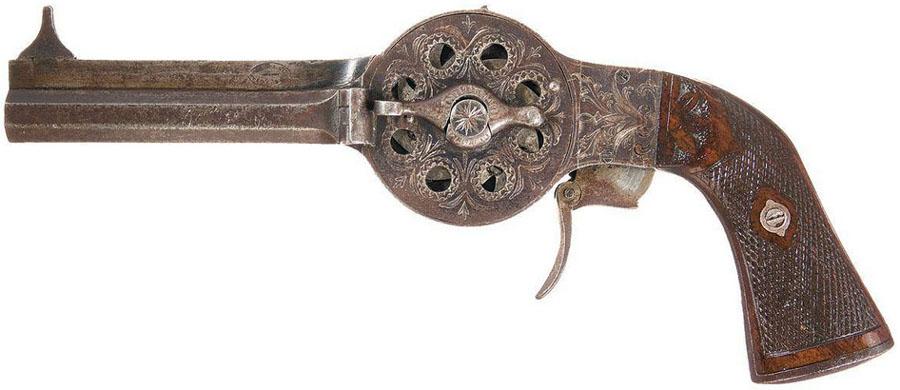 Gouery Noel Turret Revolver