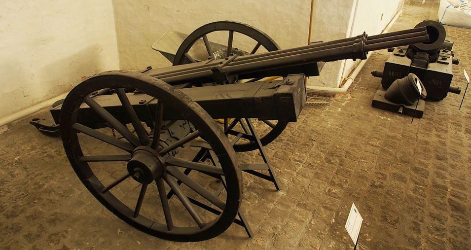 1280px-Danish_Espingol,_17th_century_multi-shot_weapon,_pic3