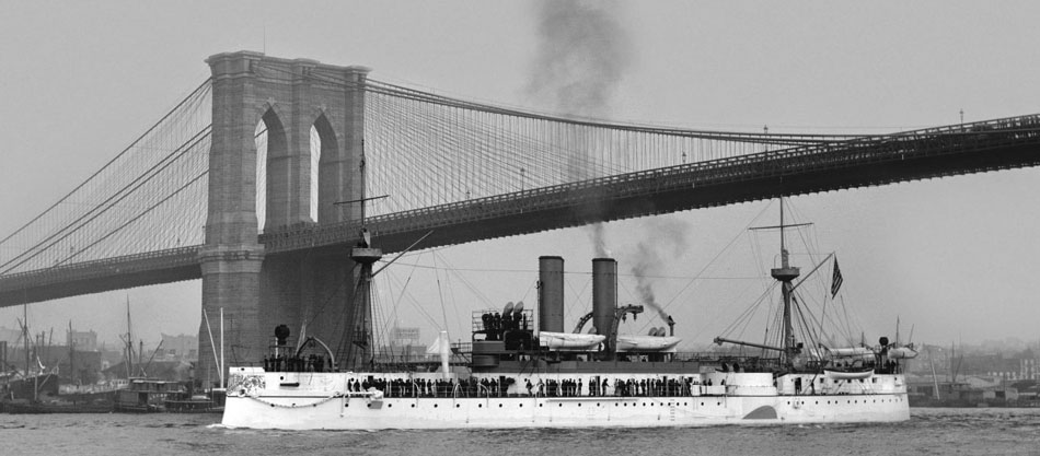 uss_maine_passing_under_brooklyn_bridge._new_york._1895-1898
