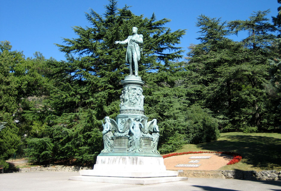 Statue_of_Archduke_Ferdinand_Maximilian