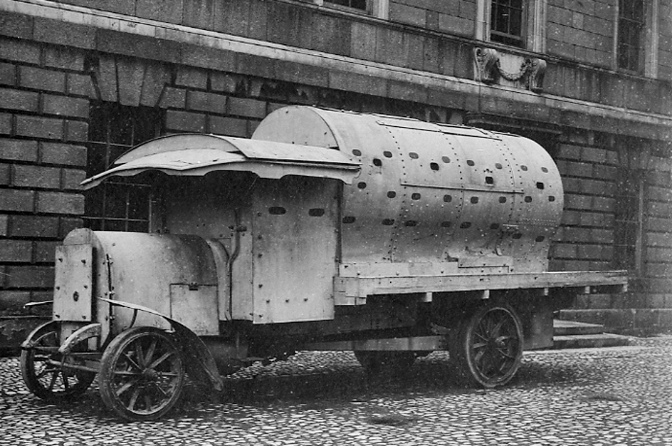 BMH_p_16_Armoured-Car1