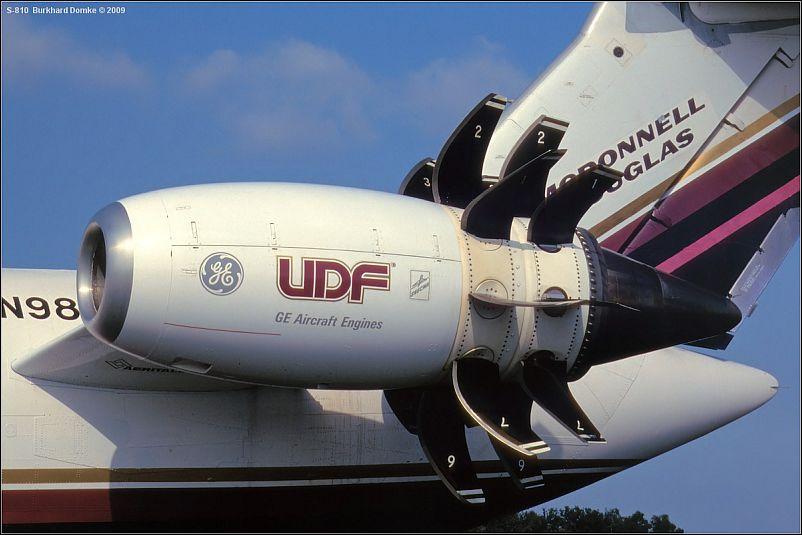 MD-81_N980DC_GE36_UDF_810