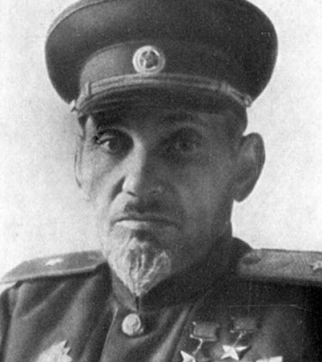 Ковпак Сидір Артемович - генерал-майор, двічі Герой Радянського Союзу