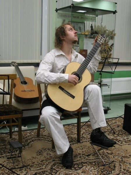 Анатолий Изотов