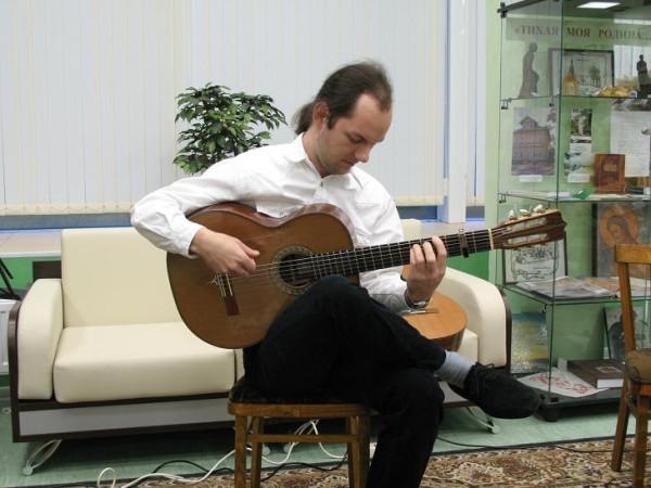 Юрий Бобылев