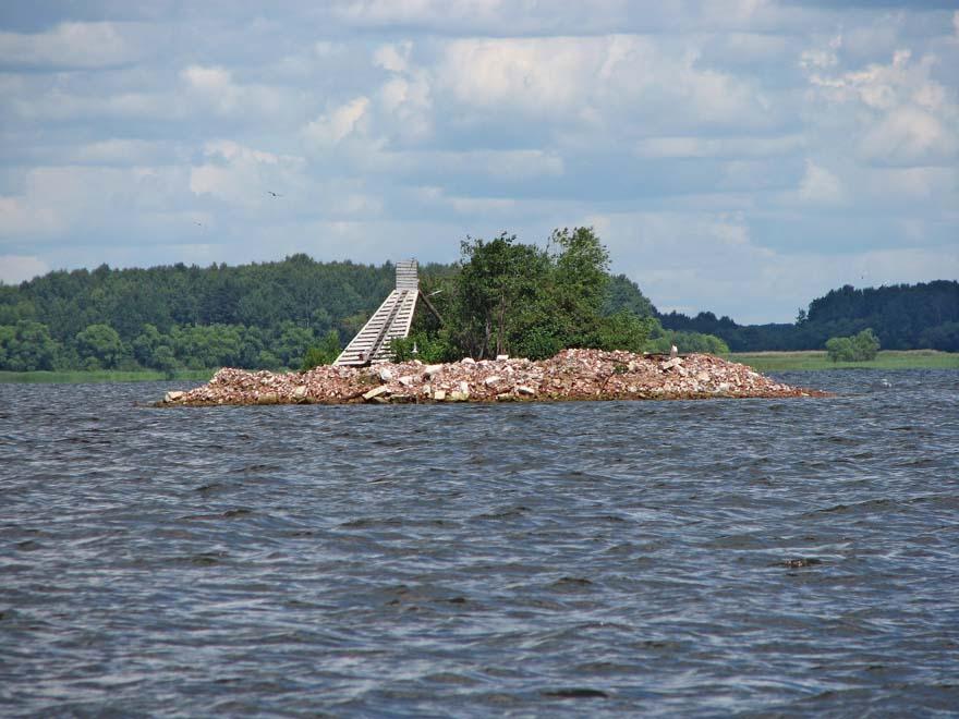 остров на месте храма