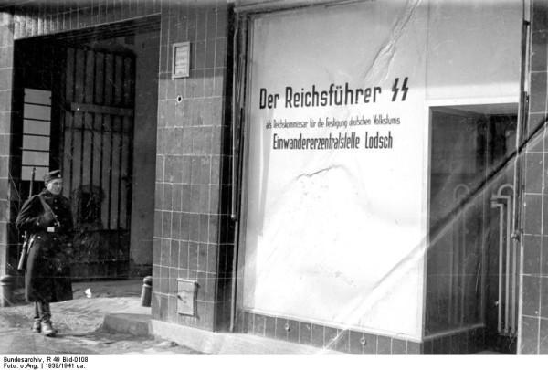 14_Bundesarchiv_R_49_Bild-0108,_Litzmannstadt,_Einwanderer-Zentralstelle