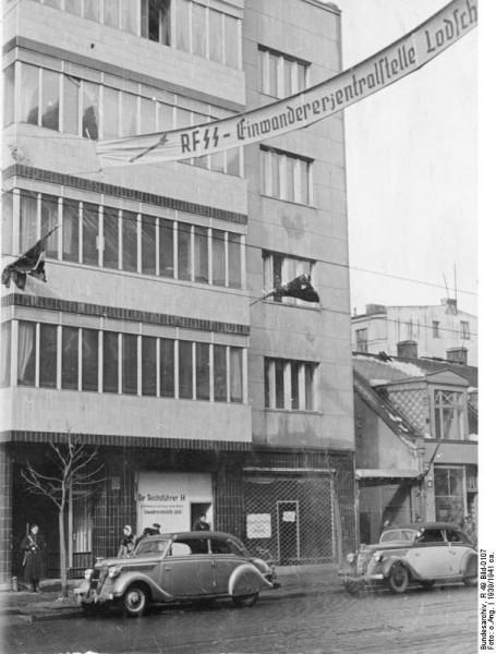 _Bundesarchiv_R_49_Bild-0107,_Litzmannstadt,_Einwanderer-Zentralstelle_Nord-Ost (1)