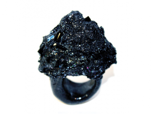 the-small-balck-ring-400x533