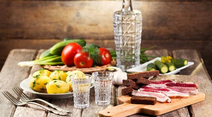 Вкусные советы о том, как правильно пить водочку