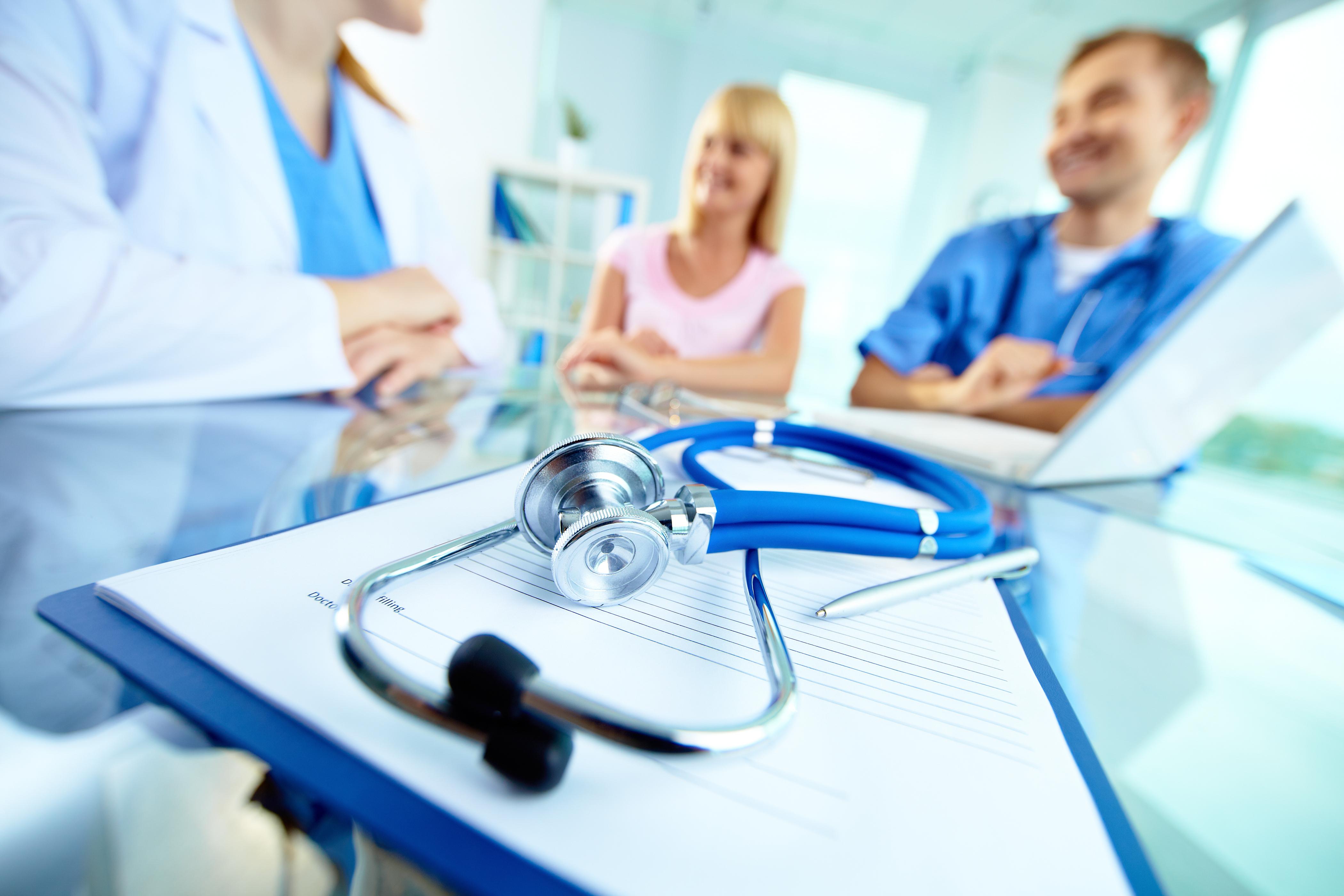 рейтинг врачей и клиник на основе отзывов