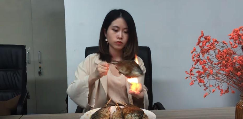 Китаянка удивляет мир в своем блоге на youtube