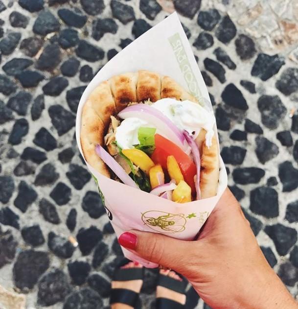 Кулинарная кругосветка: шаурма в Греции