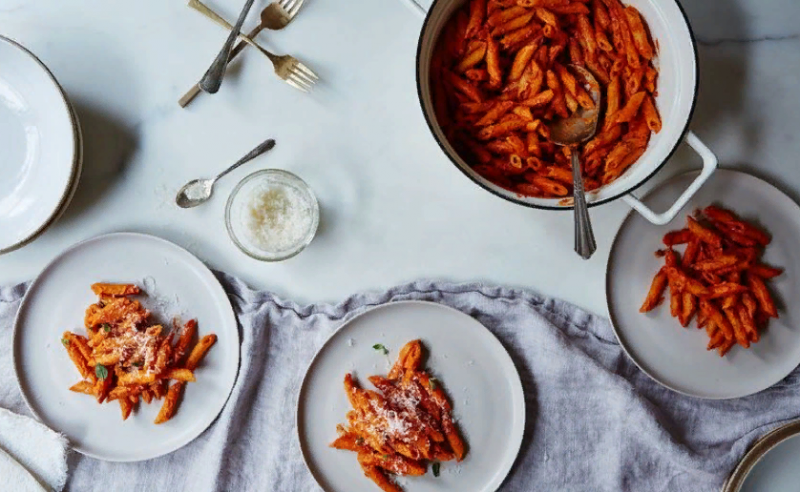 10 способов сделать купленный в магазине томатный соус вкуснее