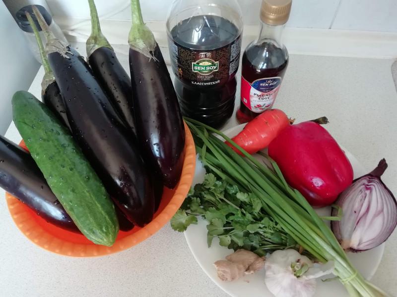 Быстрые баклажаны с овощами по-азиатски. Мой рецепт. Фото автора.