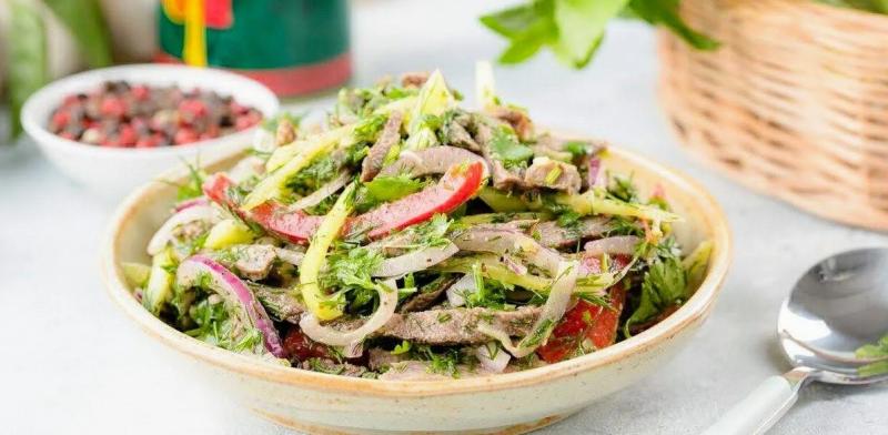 Грузинский салат со сладким болгарским перцем