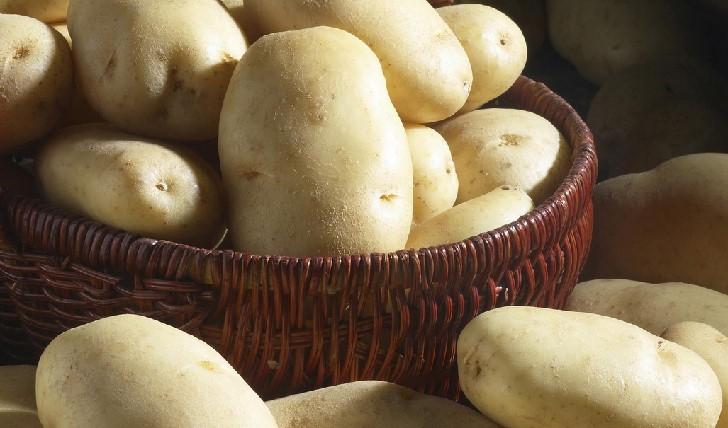 как правильно чистить молодой картофель