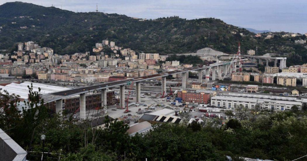 Сегодня с утра гудели все, что умело гудеть. В порту Генуи протяжно гудели припаркованные круизные корабли, паромы, катера и яхты.Но это был не тревожный, а радостный знак.Мост Моранди, а точнее мост Ренцо Пьяно построен!!Точно в срок.Рухнул он в августе 2018.Больше года его разбирали, взрывали и расчищали.