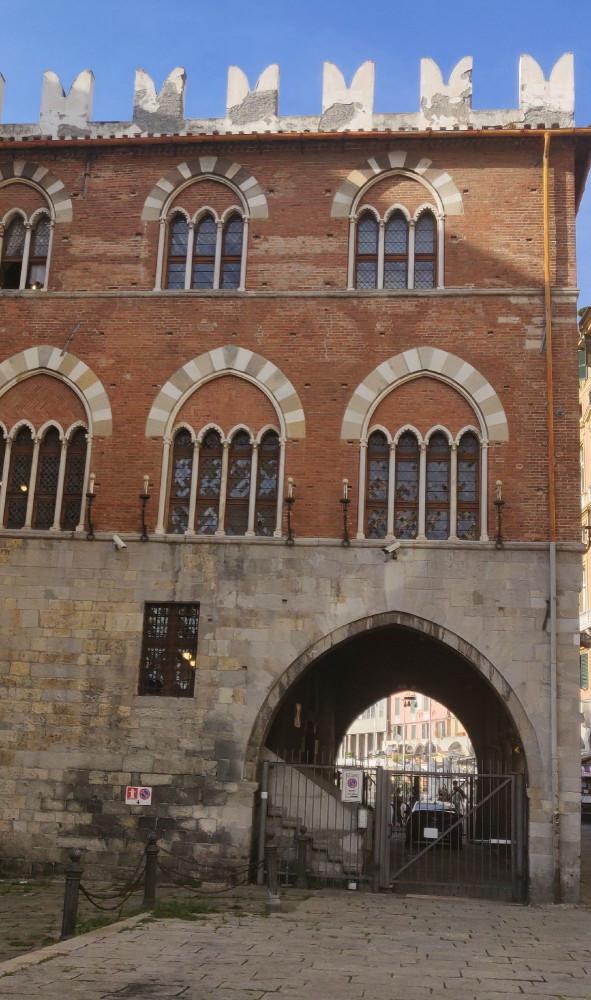 Здесь была тюрьма, в которой находился Марко Поло