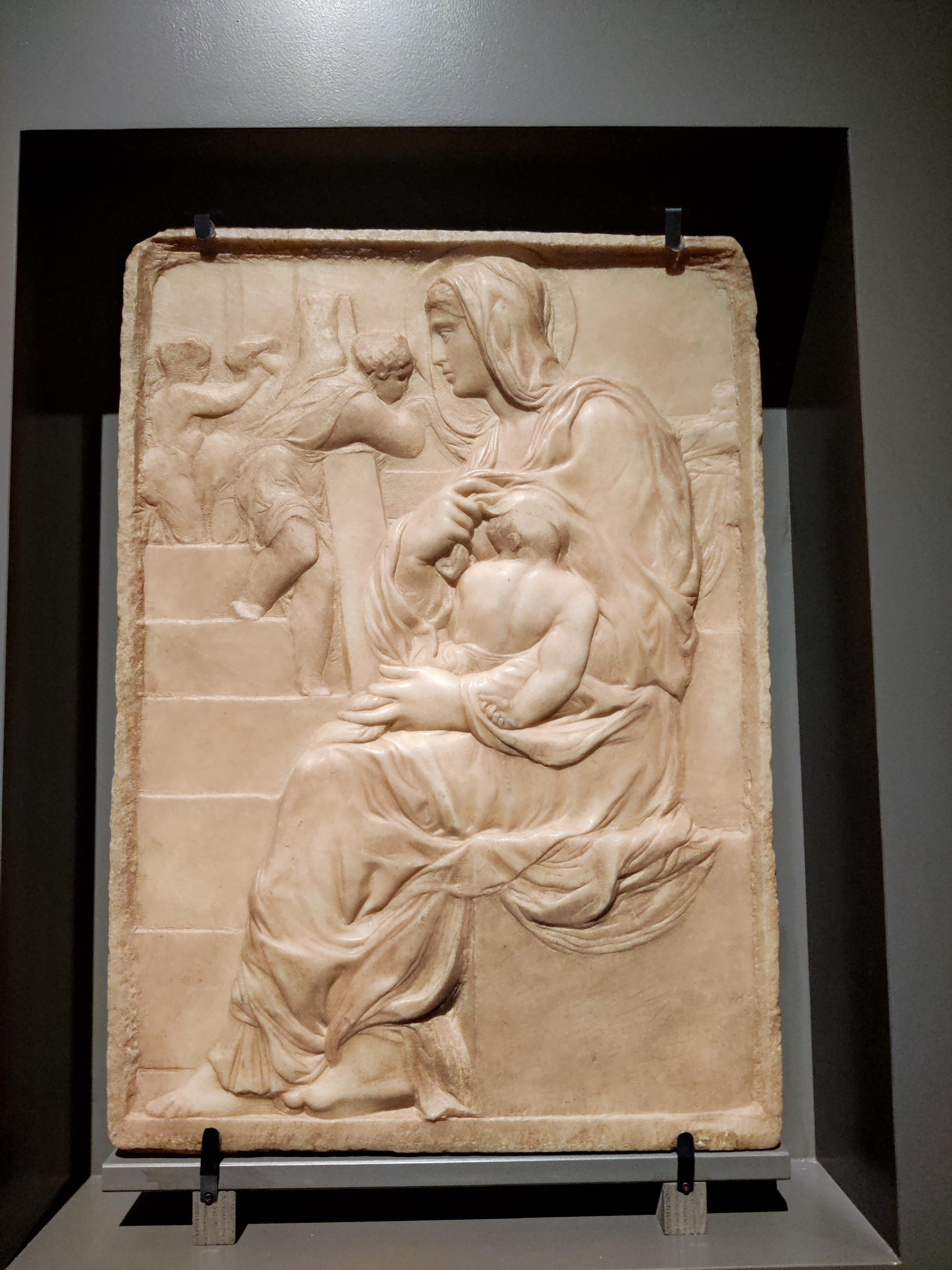 Мадонна Делла скала,1490.Микеланджело 15 лет.