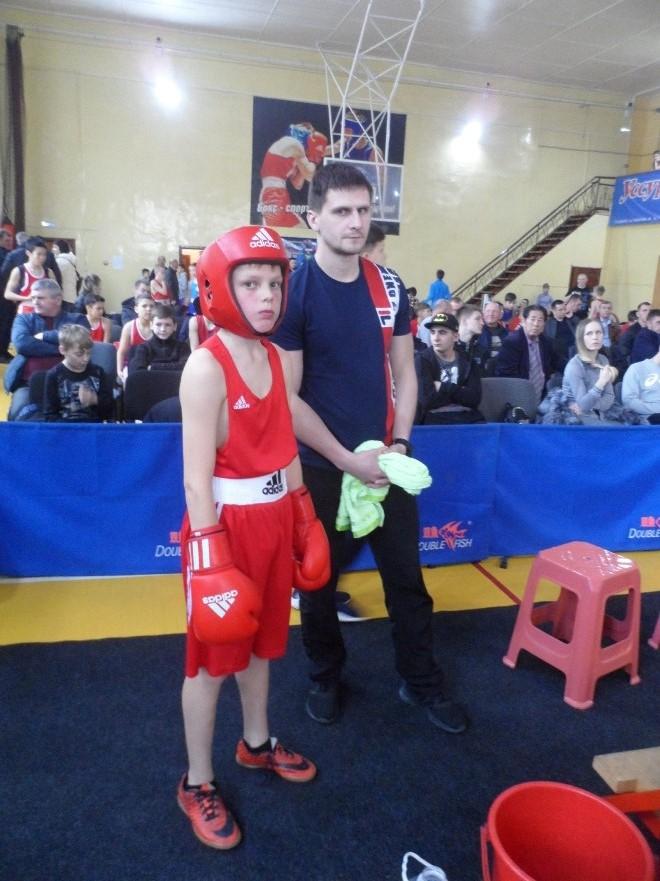 Макар Волобуев (Уссурийск) с тренером Игорем Ярмульским.