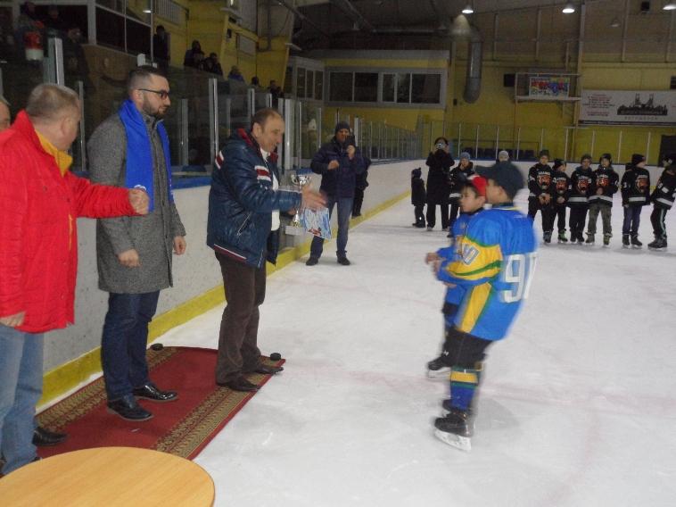Слева-направо: депутат Думы УГО Сергей Крысин, Иван Мурченко и Михаил Атрошко.