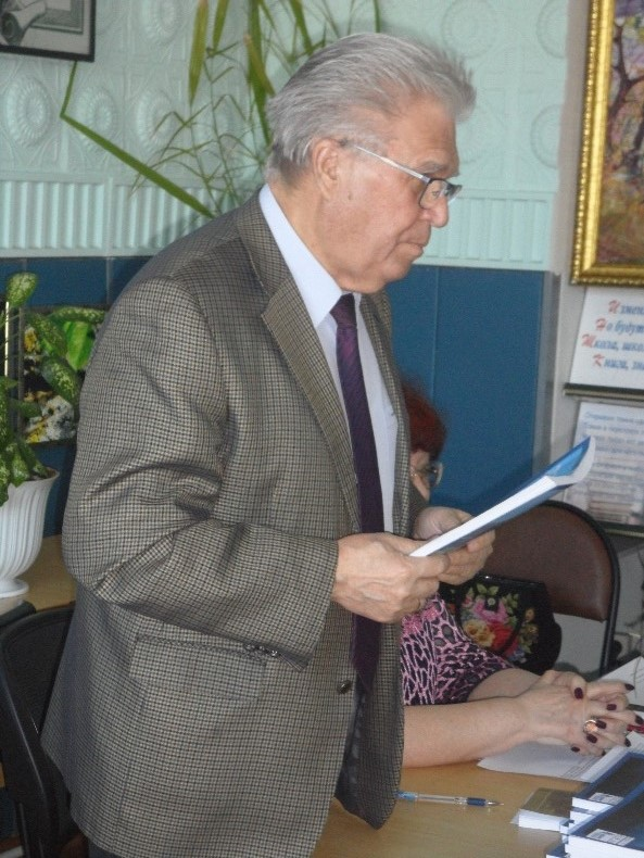 Валерий Тарасов.