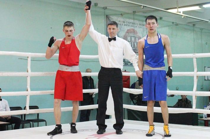 Дмитрий Федчун - победитель боя.