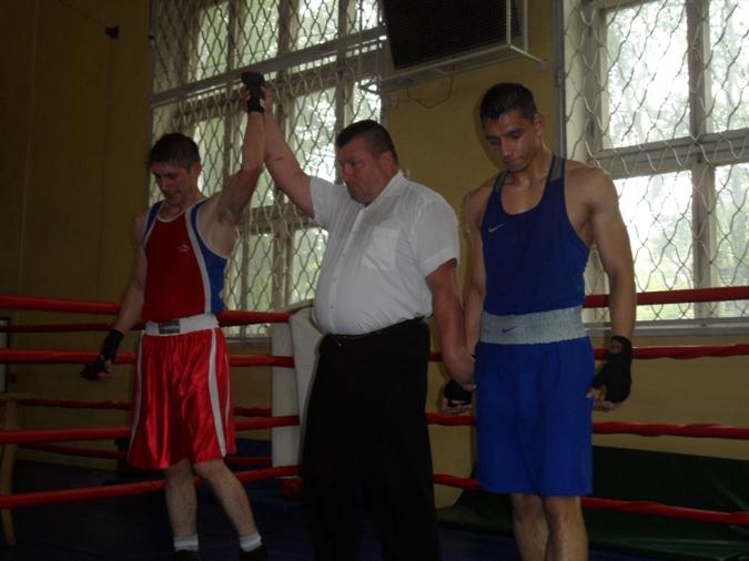 Руслан Алтынбаев (слева) и Артур Столбун.