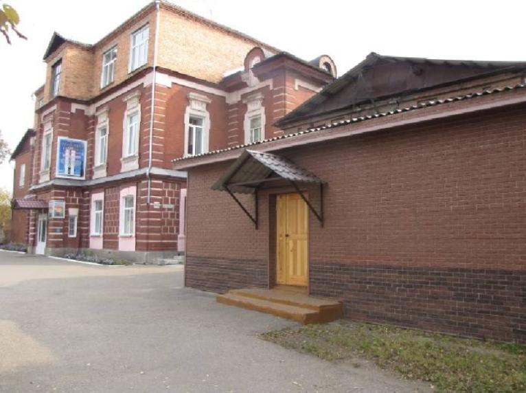 Главный корпус Регионального железнодорожного колледжа (бывшее ПУ №16), 2000-е годы, фото - РЖДК.