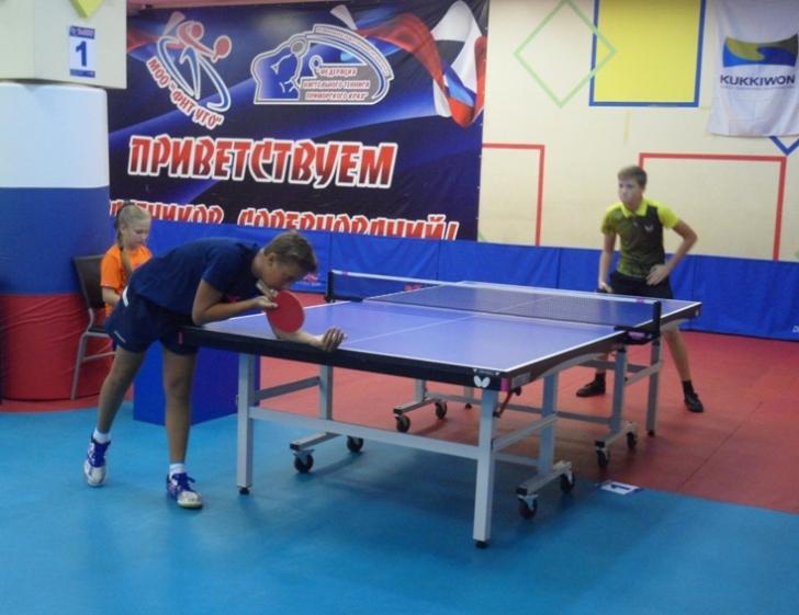 Слева - Даниил Храновский.
