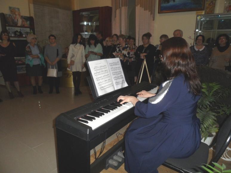 Преподаватель Детской школы искусств Анна Сидорова.