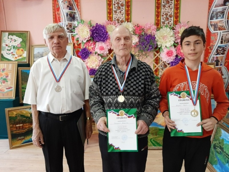 Слева - направо - Анатолий Мосякин, Владимир Улицкий и Сергей Друца.