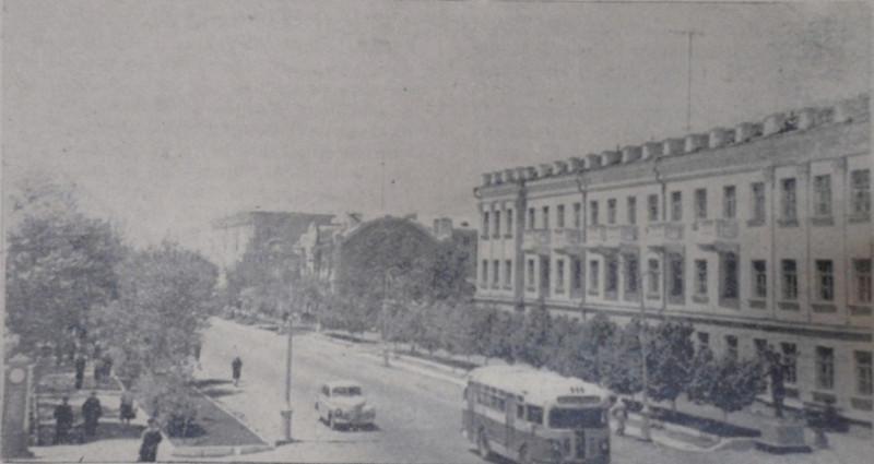 """Улица Чичерина в августе 1959 года, фото уссурийской газеты """"Коммунар""""."""