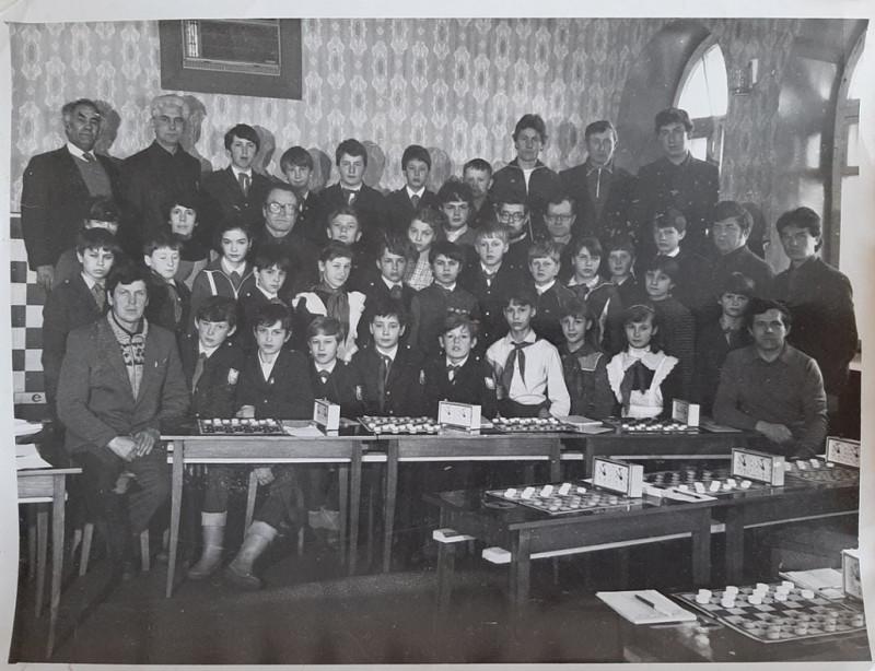 """Краевое первенство турнира """"Чудо-шашки"""". В шахматном клубе г. Уссурийска, 1987 год."""