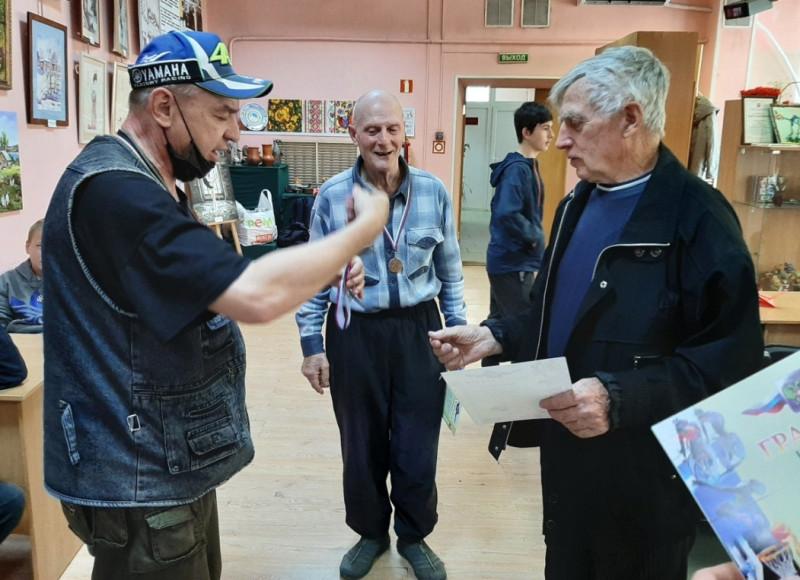 Слева — направо: Сергей Маципура, Владимир Улицкий и Анатолий Мосякин.